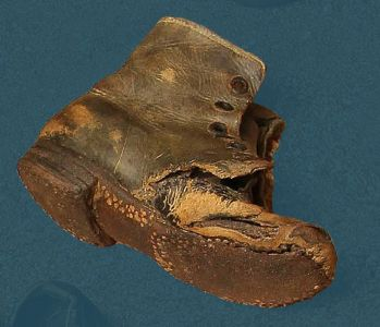 Laced children's boots – pegged construction. Second quarter of the 20th century.