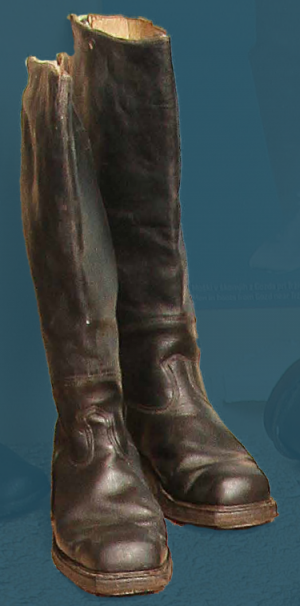 Boots with zip, pegged construction. First quarter of the 20th century.