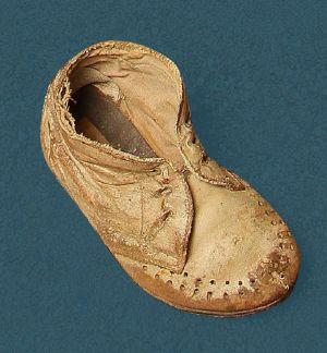 Child's laced shoe. Mid 20th century.