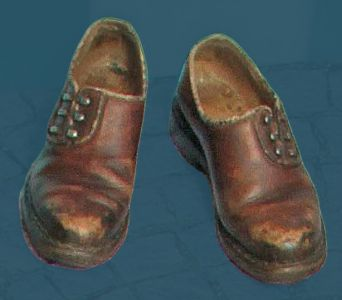 Men's shoe with pegged construction and hooks for the laces from before World War Two.