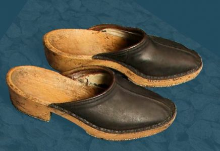 Wooden clogs with leather upper. First half of the 20th century.