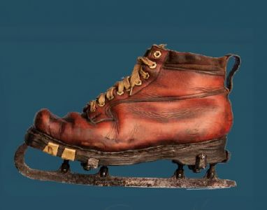 Shoe with an ice skate. Second quarter of the 20th century.