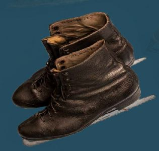 Ice skates. Mid 20th century.